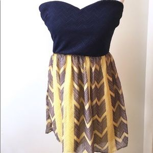 City Triangles strapless sweetheart dress